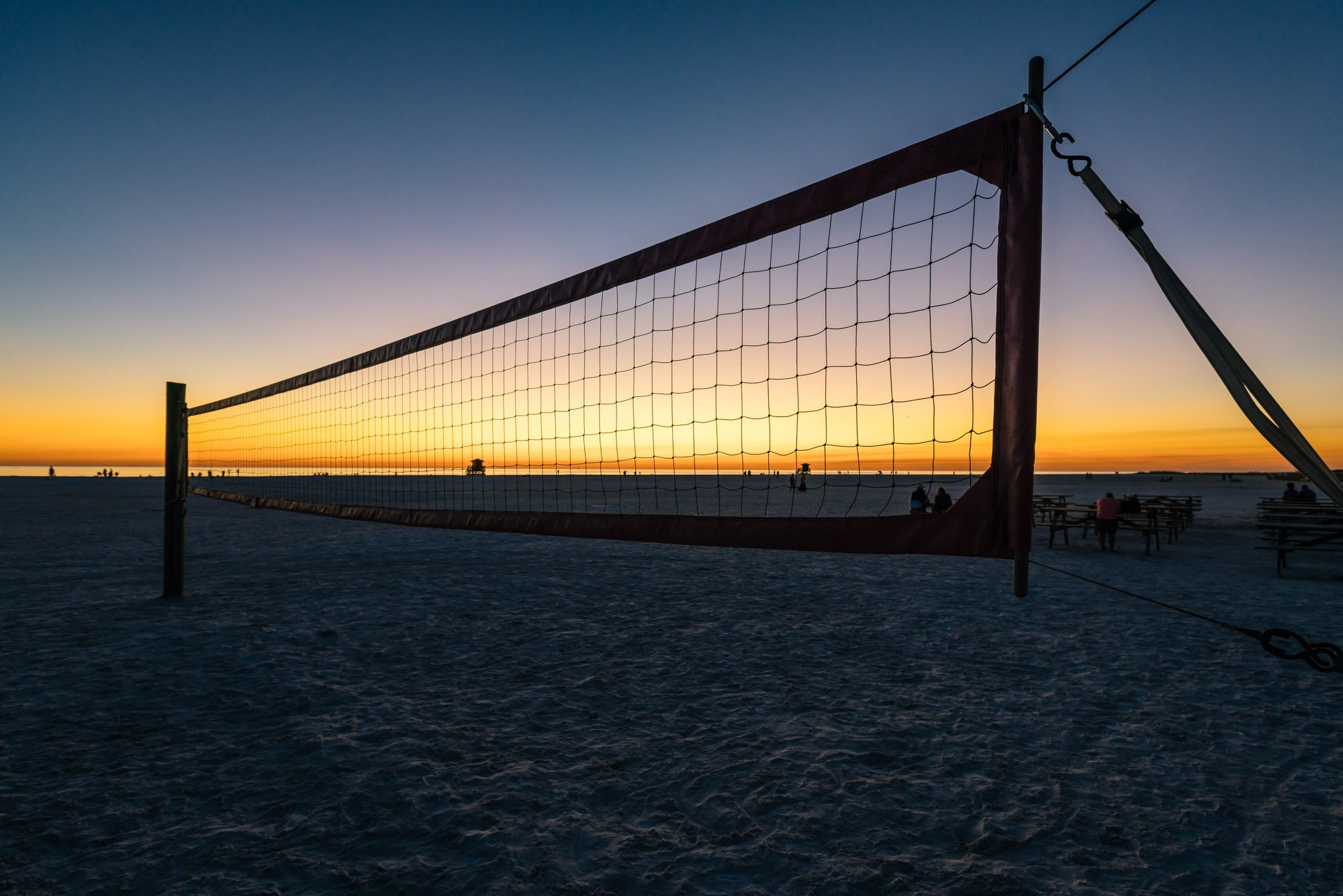 15-12-11_post-img_1540_sunset-volleyball